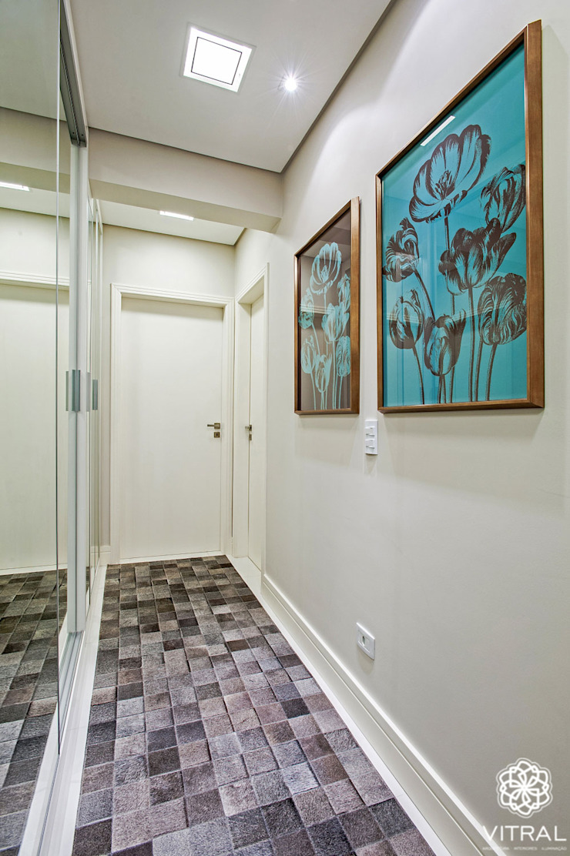 Apartamento C.A.A. Corredores, halls e escadas modernos por VITRAL arquitetura . interiores . iluminação Moderno