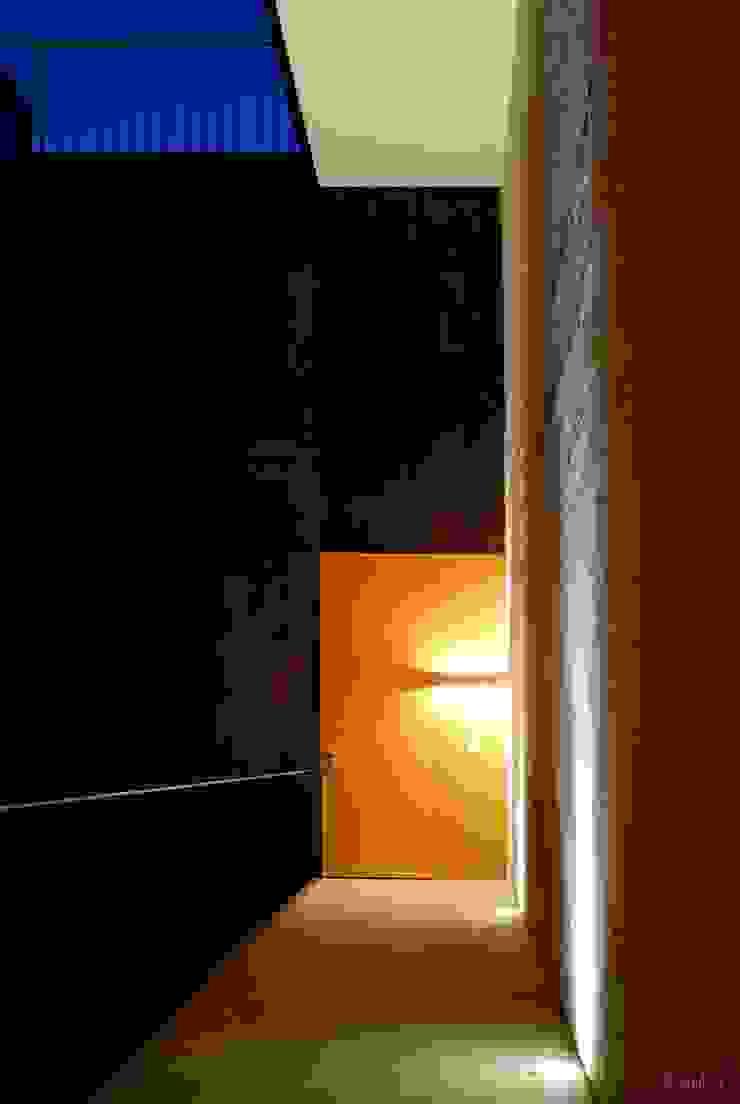 인더스트리얼 복도, 현관 & 계단 by Alvaro Moragrega / arquitecto 인더스트리얼