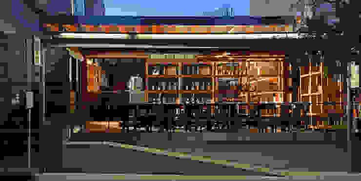 CON (tenedor) Bares y clubs de estilo industrial de Alvaro Moragrega / arquitecto Industrial
