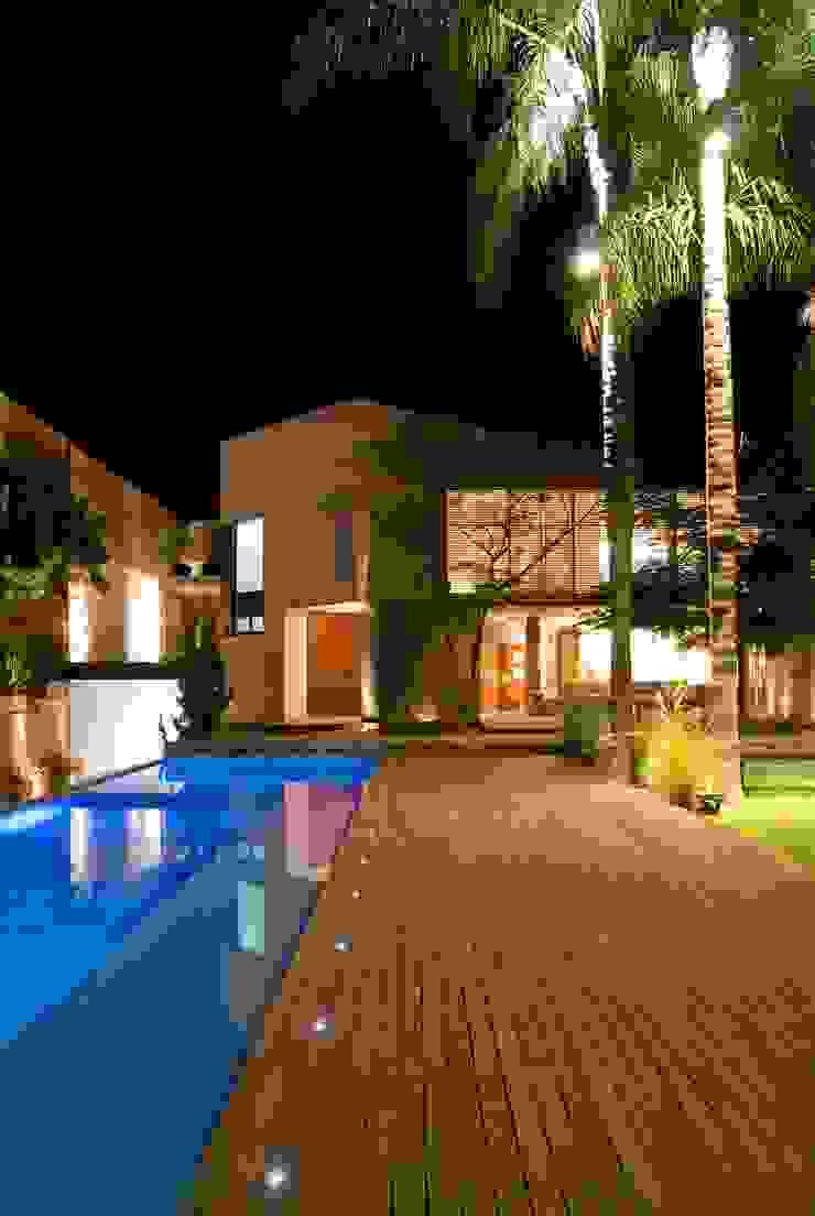 CASA RP Albercas modernas de Alvaro Moragrega / arquitecto Moderno
