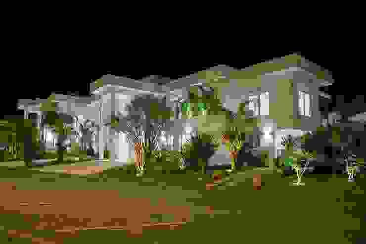 Casa - Praia de Tabatinga Casas modernas por Hurban Liv Arquitetura & Interiores Moderno