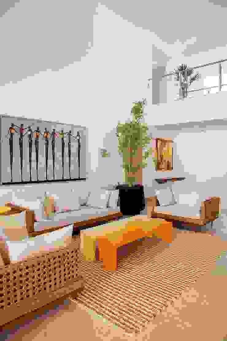 Casa – Praia de Tabatinga Salas de estar modernas por Hurban Liv Arquitetura & Interiores Moderno