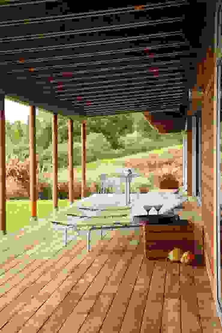 Lani Nui Ranch Balcones y terrazas modernos de Alvaro Moragrega / arquitecto Moderno