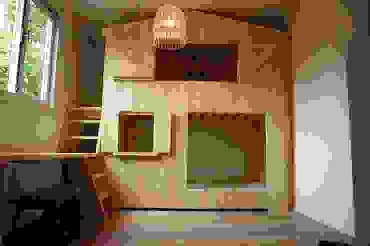 bedstee huisje stapelbed met bureau van klauterkamer Minimalistisch