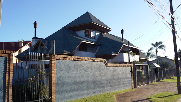 Fachada lateral leste Casas rústicas por Kauer Arquitetura e Design Rústico