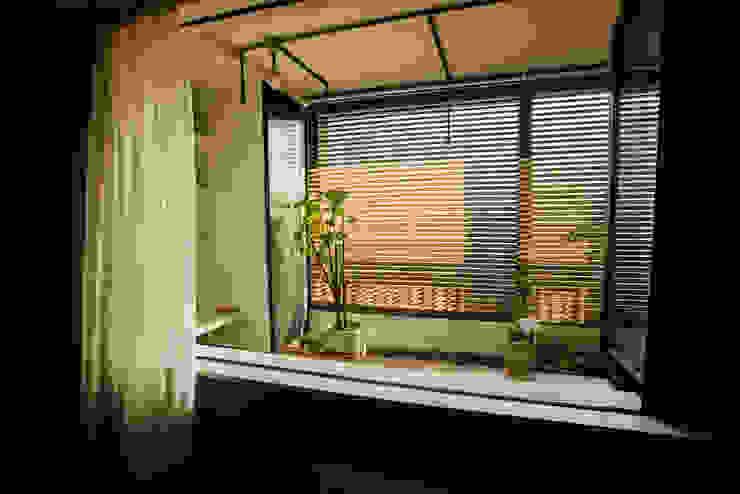 Terrasse de style  par homify, Moderne