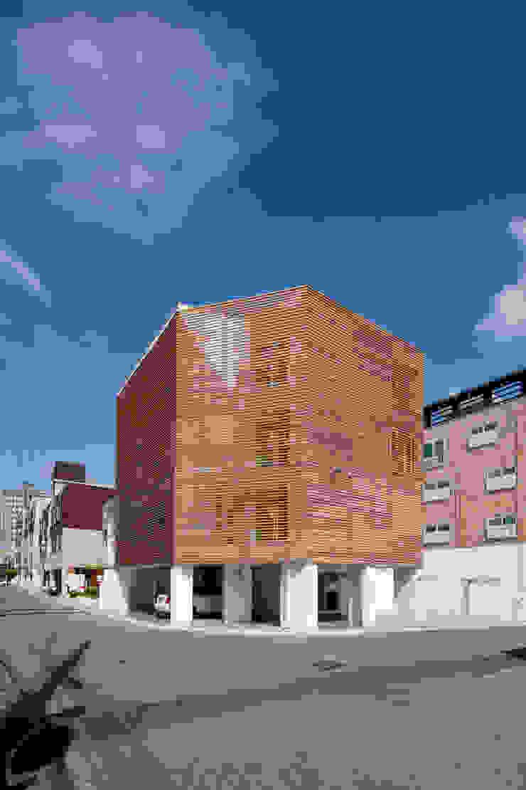 루버하우스 모던스타일 주택 by 스마트건축사사무소 모던