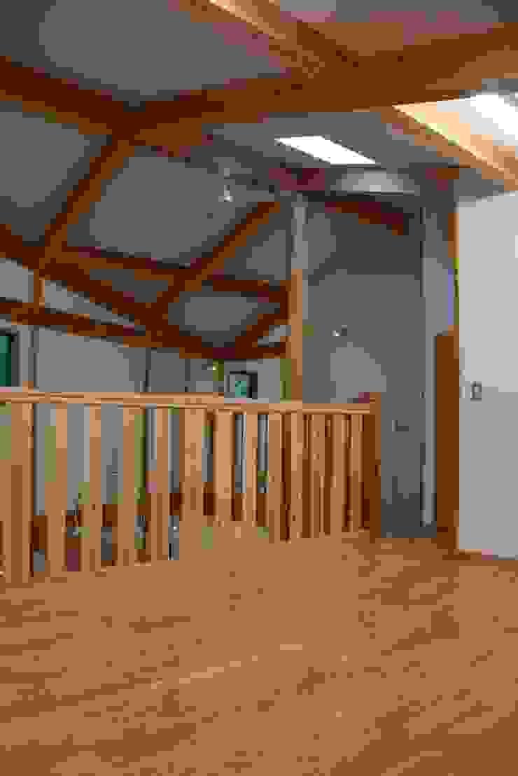 緑区の家 カントリーデザインの 多目的室 の 波多周建築設計 カントリー