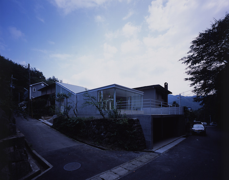House in Otsu モダンな 家 の Junya Toda Architect & Associates モダン