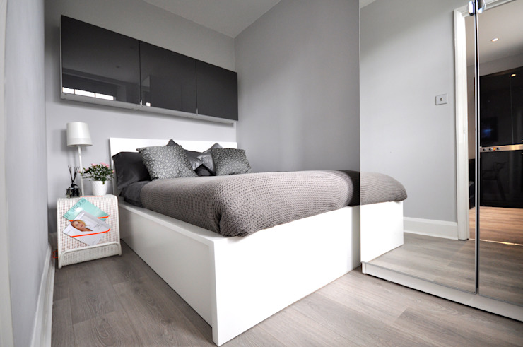 Apartments in Oakley Square, London Pergo Modern style bedroom