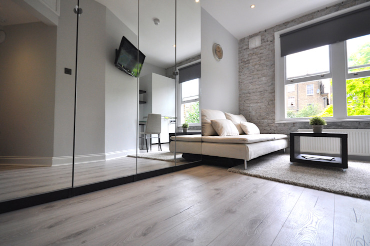 Apartments in Nothing Hill, London Industrial style living room by Pergo Industrial