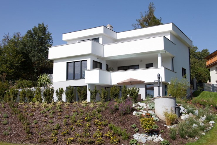 ELK Kundenhaus Moderne Häuser von ELK Fertighaus GmbH Modern