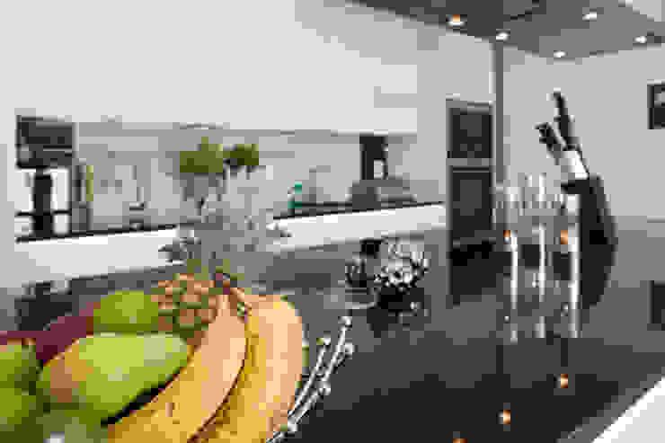 Projekty,  Kuchnia zaprojektowane przez ELK Fertighaus GmbH, Nowoczesny