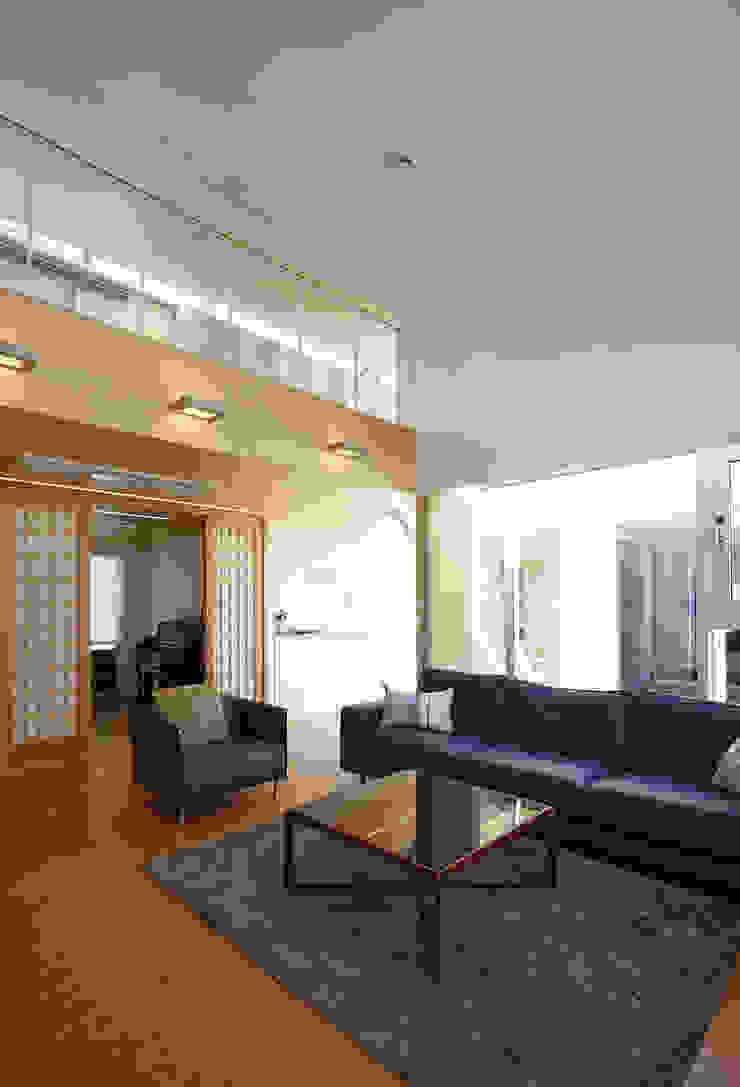 따뜻한 벽돌집 모던스타일 거실 by 스마트건축사사무소 모던
