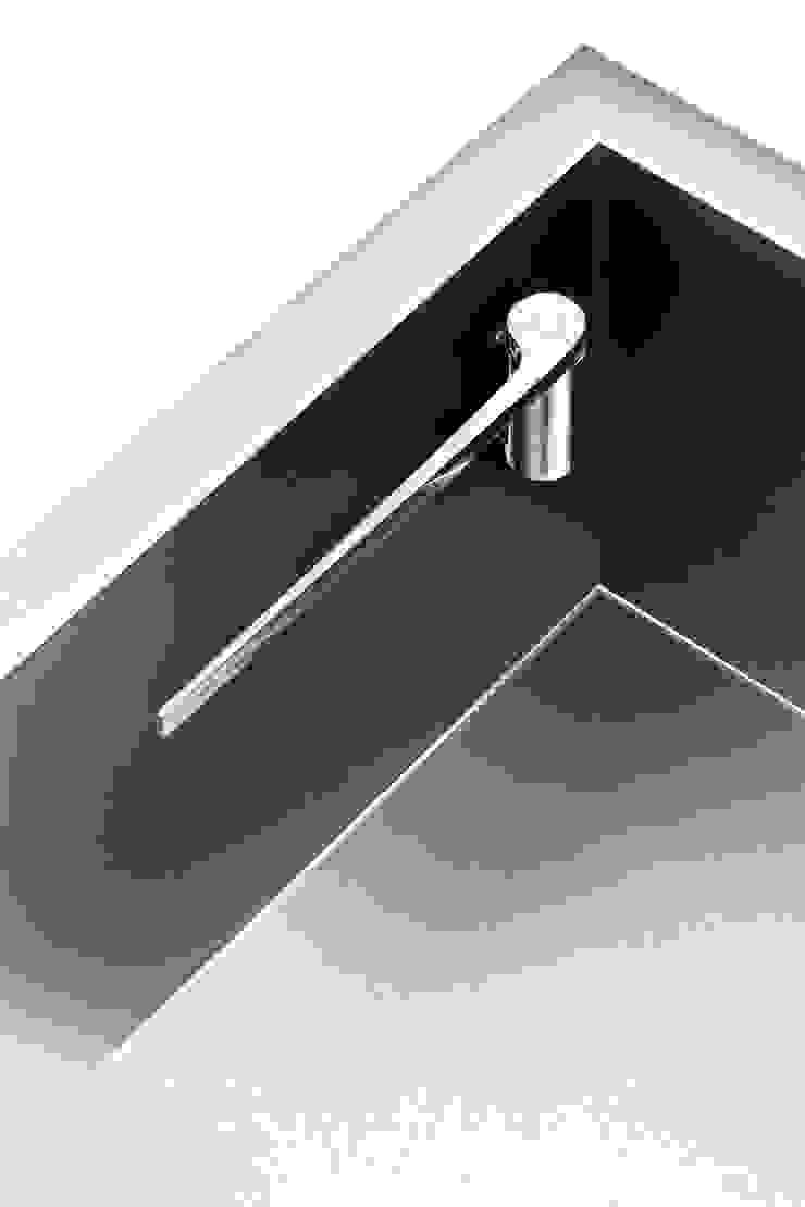 Cloth Holder – Pure Black / Steel od Magisso Nowoczesny