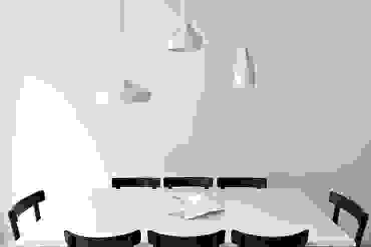 De Vere Gardens Salle à manger minimaliste par Viewport Studio Minimaliste