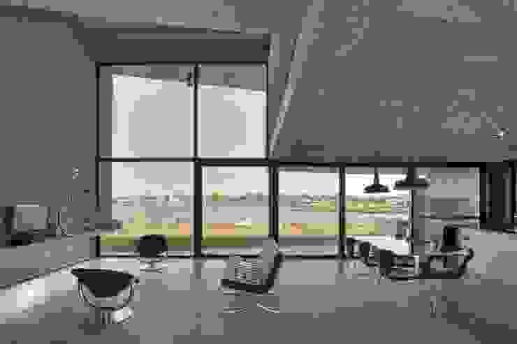 Modern Oturma Odası Ruben Valdemarin Arquitecto Modern