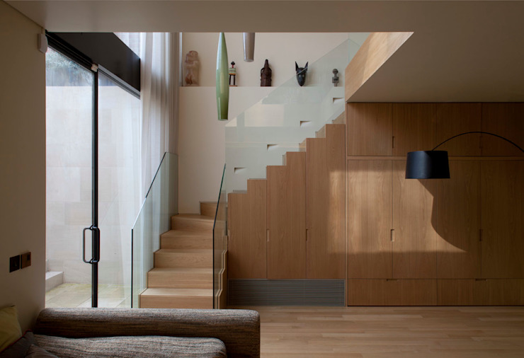 West London house Modern Corridor, Hallway and Staircase by Viewport Studio Modern