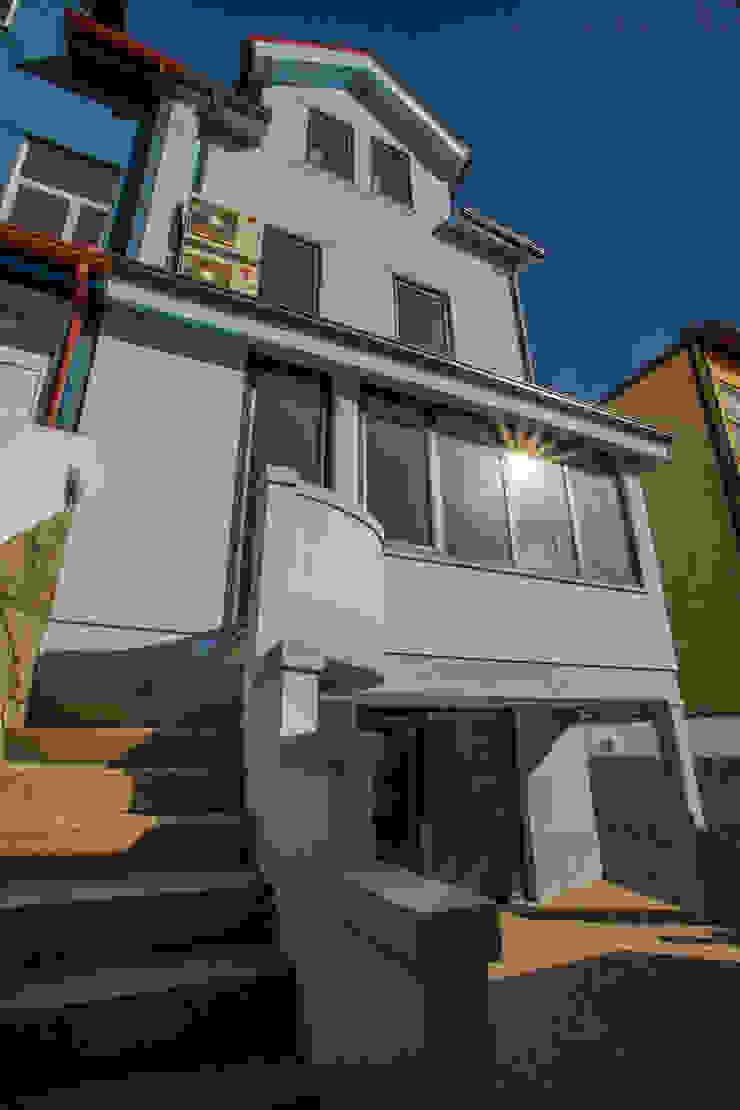 AReA 7 - Arquitectos Ivo Amaro_ Jorge Machado Casas clássicas por AreA7 Clássico