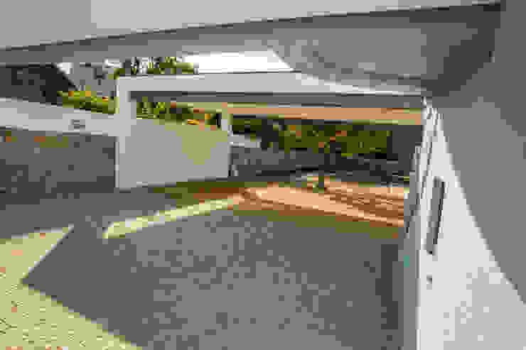 AReA 7 – Arquitectos Ivo Amaro_ Jorge Machado Casas clássicas por AreA7 Clássico