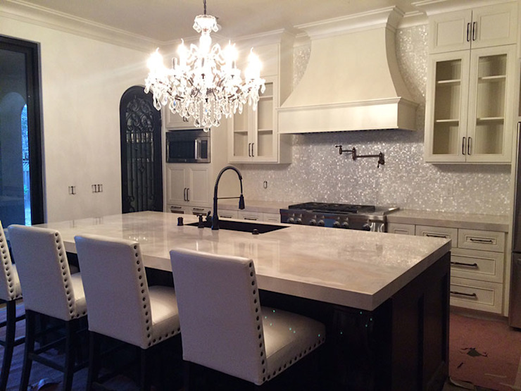 Kitchen Back Splash In California, USA Country style kitchen by ShellShock Designs Country