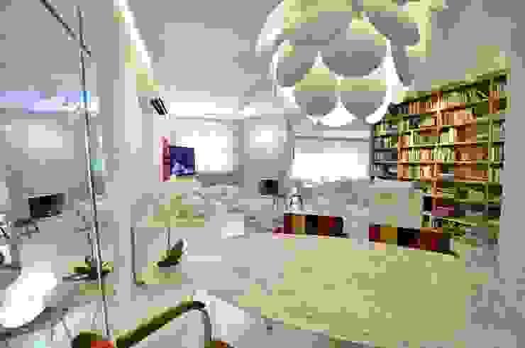 Comedores de estilo minimalista de karen feldman arquitetos associados Minimalista