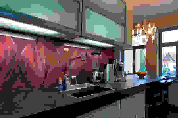 Cocinas modernas: Ideas, imágenes y decoración de Katia Pfau Moderno