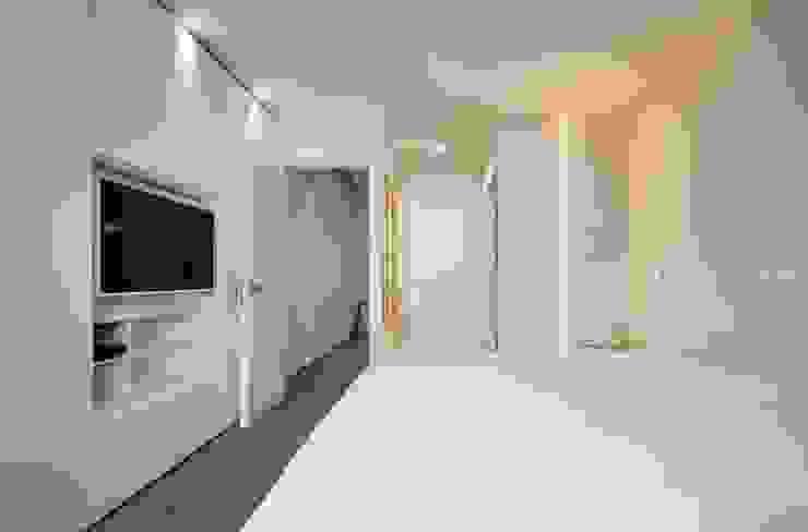 CASA SUL LITORALE [2015] Camera da letto moderna di na3 - studio di architettura Moderno