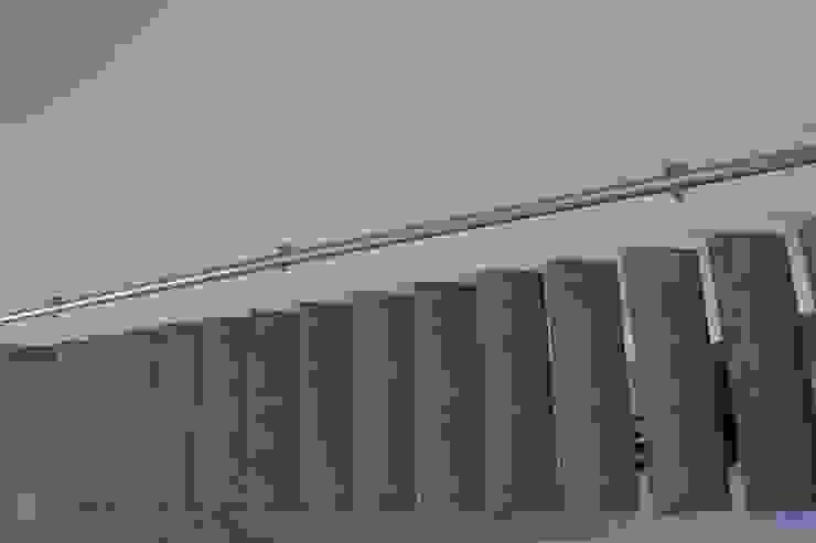 Zwevende betonnen trappen: modern  door Allstairs Trappenshowroom, Modern