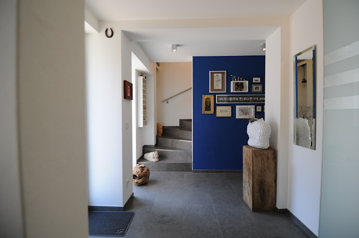 Couloir, entrée, escaliers classiques par PlanWerk Nowoczyn Architekten Classique