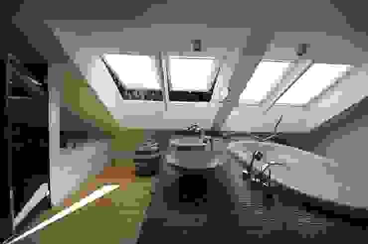 Salle de bain originale par PlanWerk Nowoczyn Architekten Éclectique