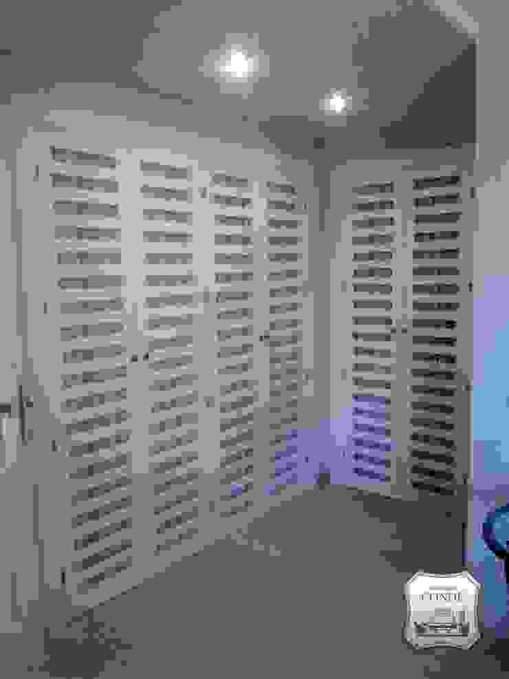 Confección de visillos en puertas de armarios de Tapicería Conde Clásico
