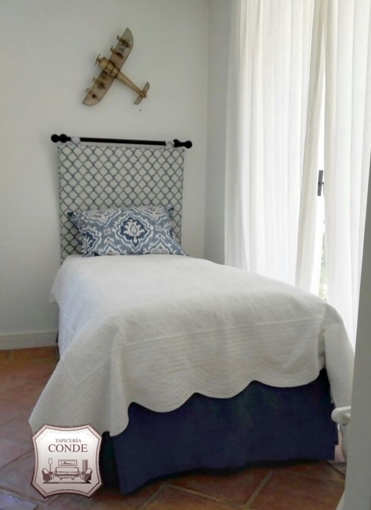 Tapicería Conde 臥室床與床頭櫃