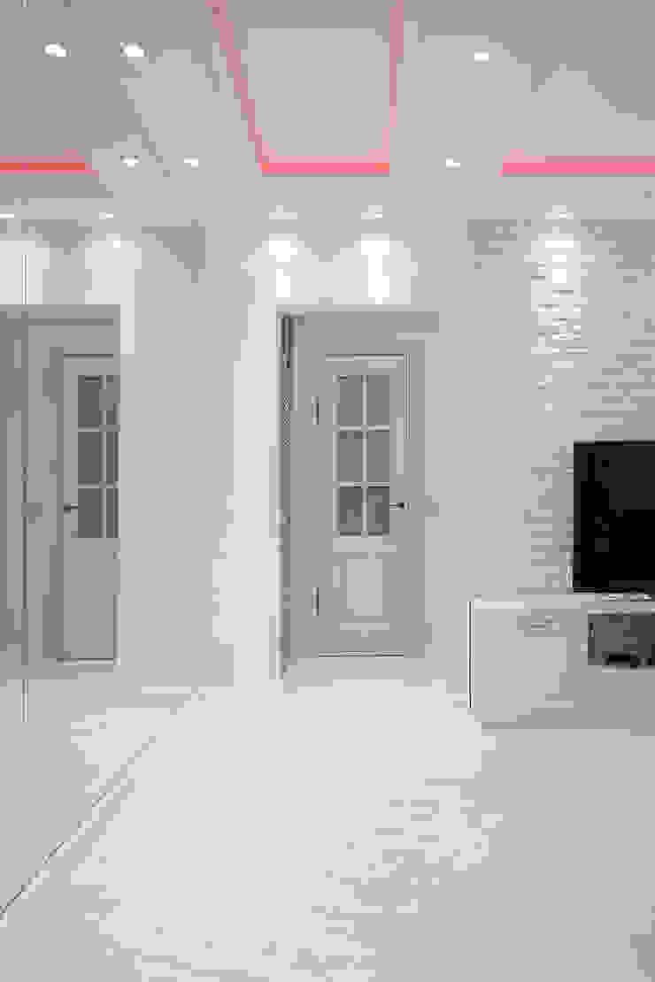 Квартира на Войковской Pakers Коридор, прихожая и лестница в стиле кантри от ДизайновТочкаРу Кантри