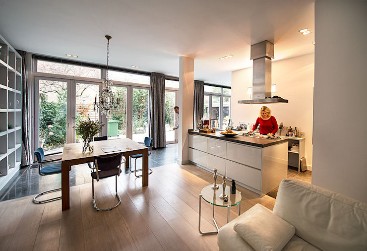 Modern Kitchen by De Werff Architectuur Modern