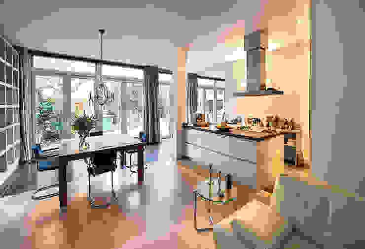 Cucina moderna di De Werff Architectuur Moderno