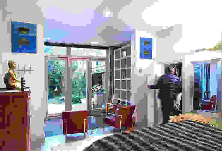 Modern Living Room by De Werff Architectuur Modern