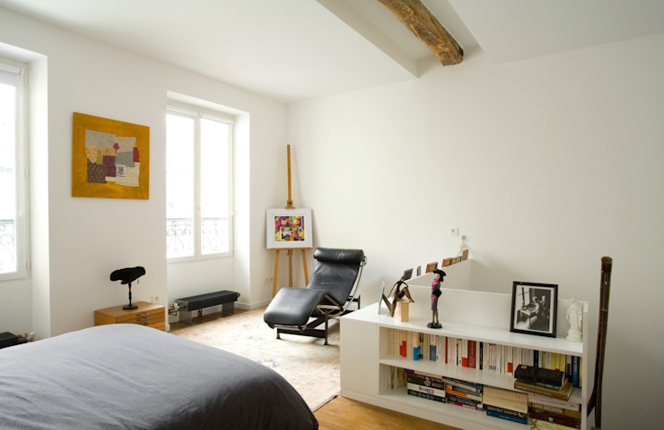 Transformation d'un atelier de menuiserie en maison familiale Chambre moderne par ATELIER FB Moderne