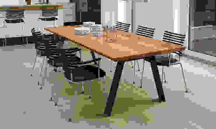 Plank table de repas design scandinave en bois massif par Le Studio des Collections Scandinave