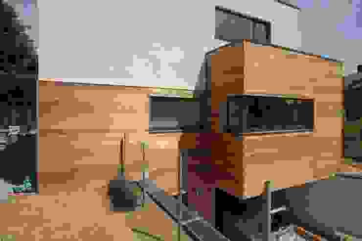 """Asse """"BEGO"""" Maisons minimalistes par DATAscs Minimaliste"""