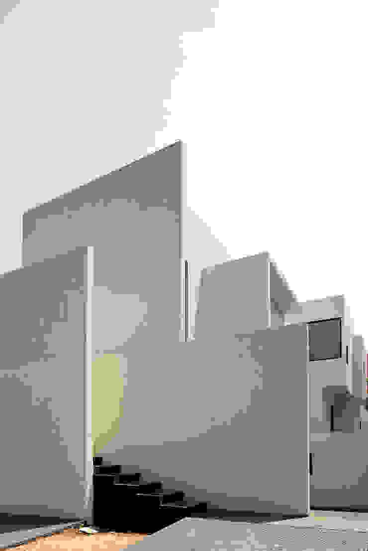 CASA AR Casas minimalistas de Lucio Muniain et al Minimalista