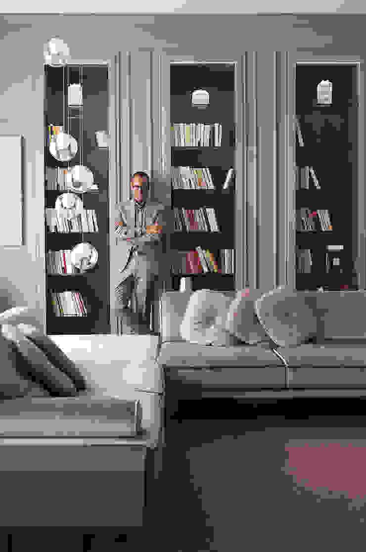 Salones de estilo clásico de Studio Andrea Castrignano Clásico