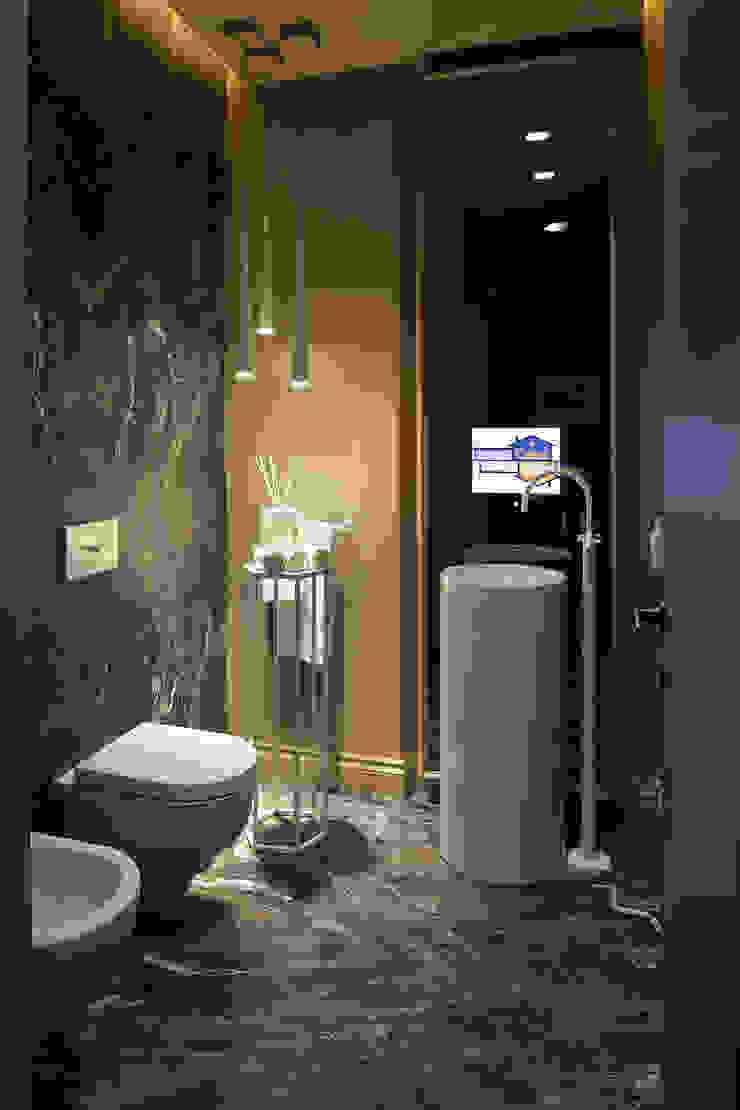 Baños de estilo clásico de Studio Andrea Castrignano Clásico