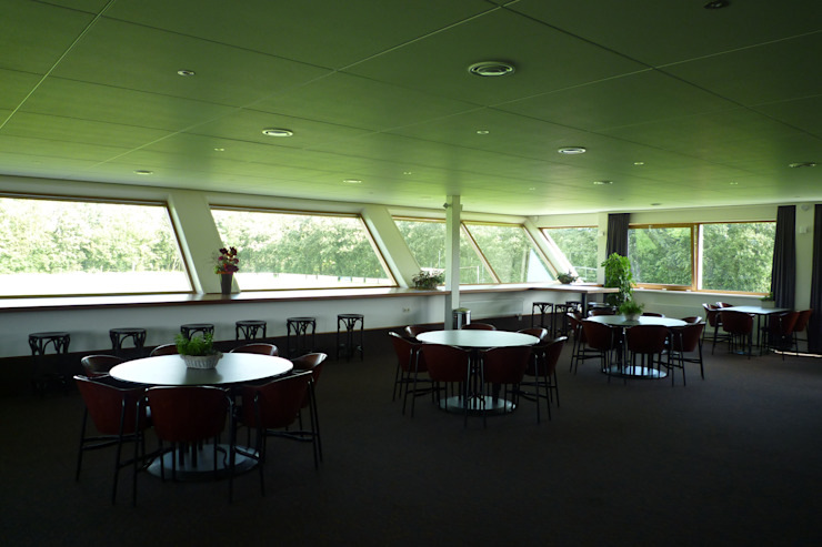Sportaccommodatie te Sint Annaparochie Moderne evenementenlocaties van Dorenbos Architekten bv Modern