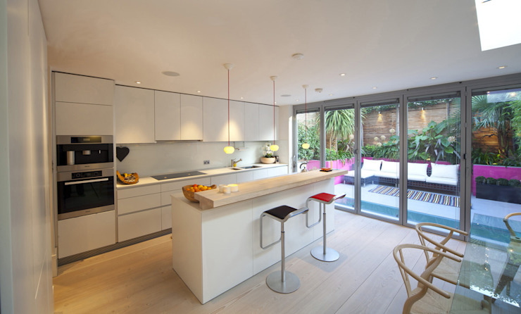 Kitchen Rear Extension: minimalist  by Gullaksen Architects, Minimalist