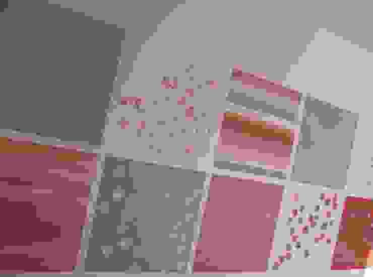 Papier peint unique pour pièce unique: une création imaginée et réalisée par Bleu d'avril Bleu d'avril Murs & Sols modernes