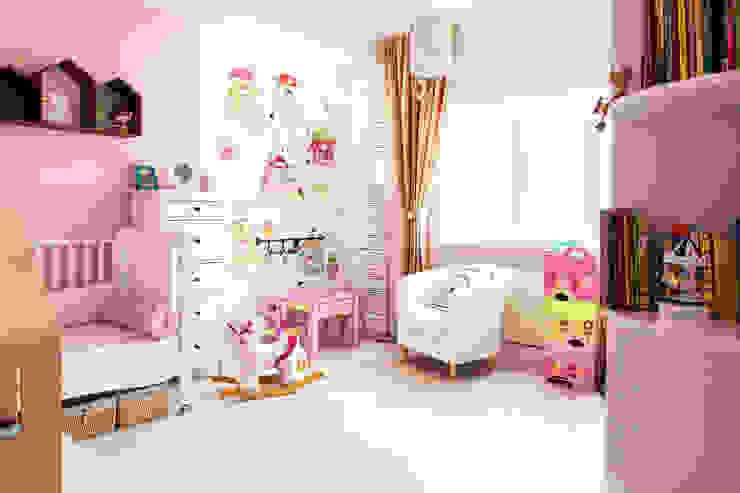 Детская для девочки Детская комнатa в скандинавском стиле от Nika Loiko Design Скандинавский