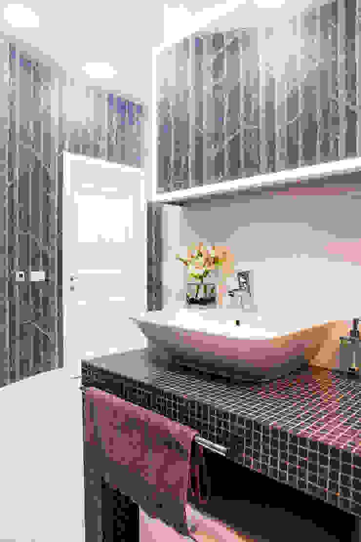 хозяйская ванная Ванная комната в скандинавском стиле от Nika Loiko Design Скандинавский