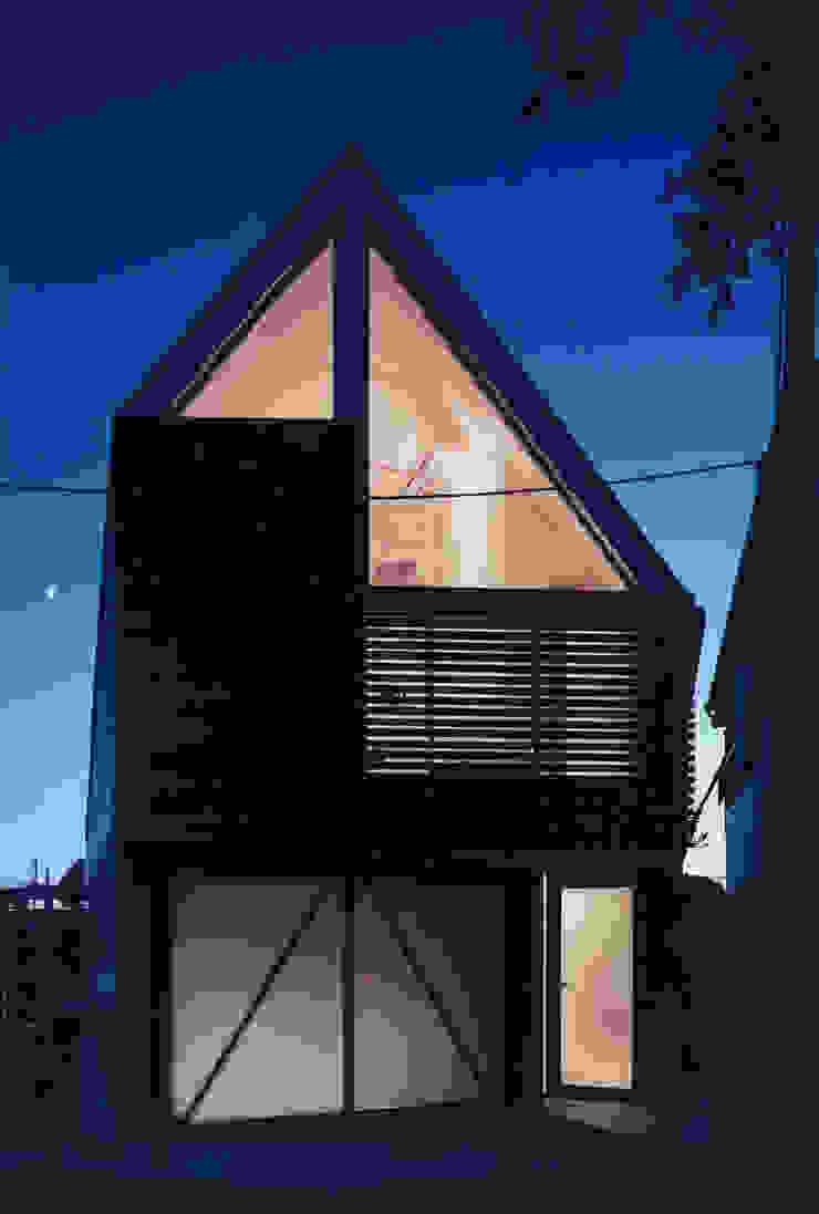 ファサード 夜 モダンな 家 の 一級建築士事務所 バサロ計画 モダン