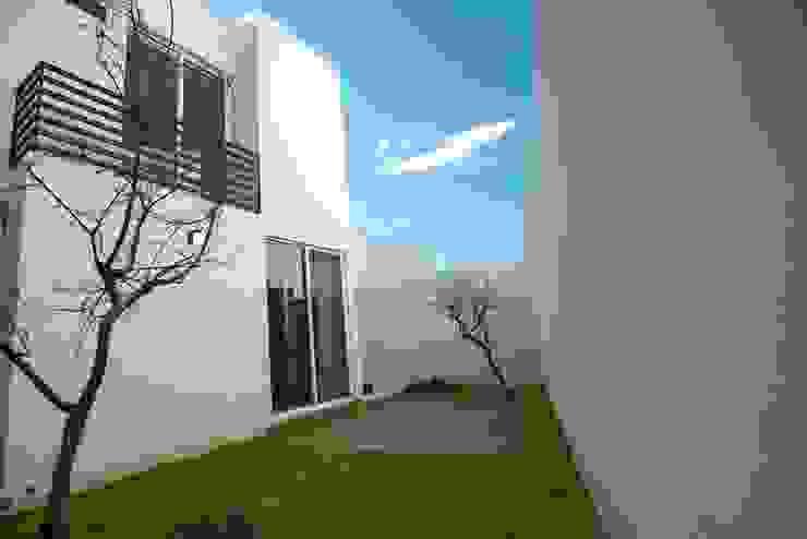 Jardín Jardines minimalistas de JF ARQUITECTOS Minimalista